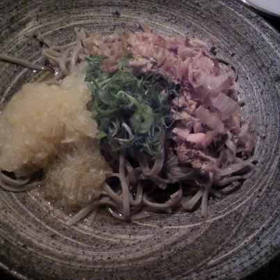 ろくべえ おろし蕎麦大盛り(830円)